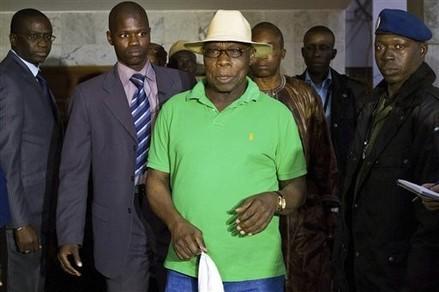 Le président Obasanjo poursuit ses rencontres avec les acteurs impliqués dans le processus électoral