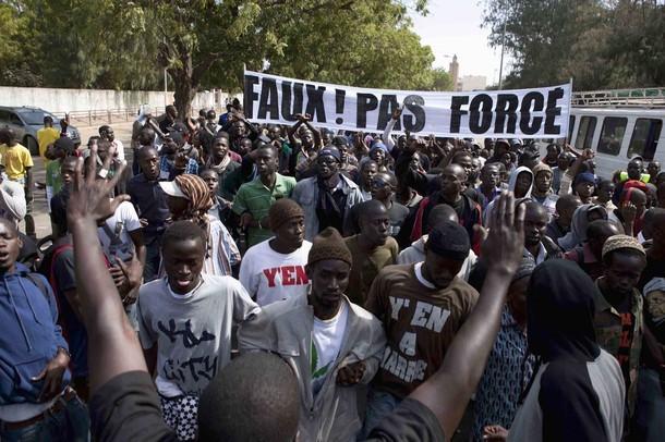 """Manifestation: """"Y en A Marre"""" choisit l'anonymat."""