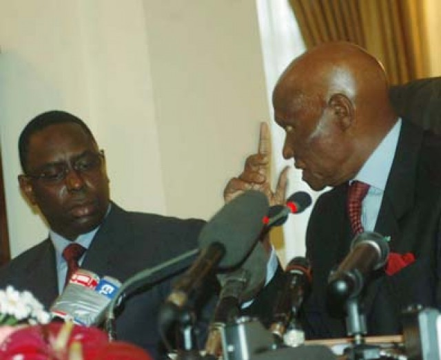 """Y a-t-il un """"deal"""" entre Abdoulaye Wade et Macky Sall ?"""