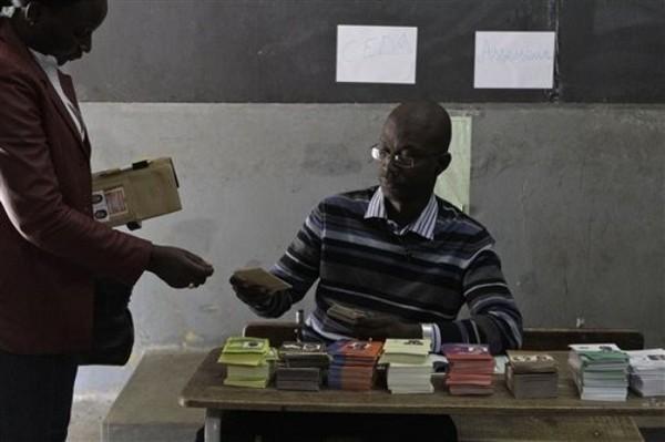 Démarrage du scrutin dans des bureaux à Dakar et à Ziguinchor