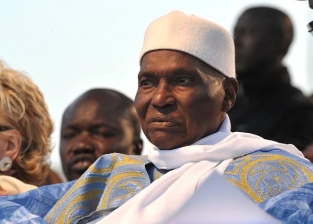 Dernière minute: 12h15 : Abdoulaye Wade hué et acclamé à son bureau de vote (audio)