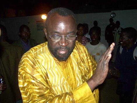 14h10: Moustapha Cissé Lô tire deux coups de feu à Mbacké