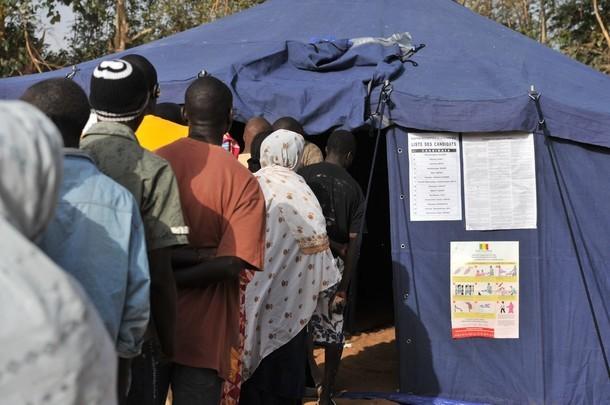 14h17: Deux bureaux de vote détruits à Mbacké