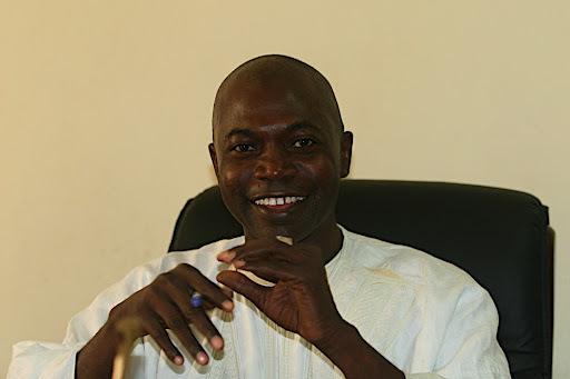 Dernière minute : Sitor Ndour agresse un reporter de WalfTv à Kaolack.