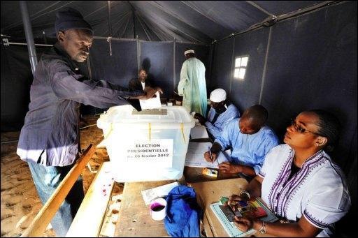Port Gentil (Gabon): Macky Sall 649, Abdoulaye Wade 143, Niasse 40, Idrissa Seck 39, Ousmane Tanor Dieng 20, Ibrahima Fall 11