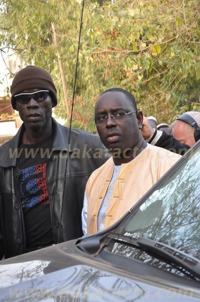 Arrivée de Macky Sall chez Amadou Mahtar Mbow après la course aux obstacles