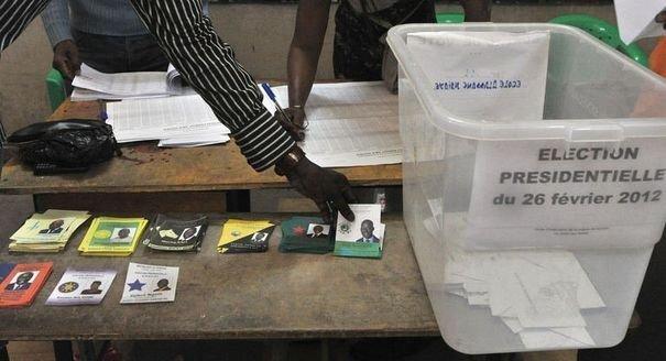 """Les """"FAL 2012"""" comptent vaincre l'abstention de leurs militants"""