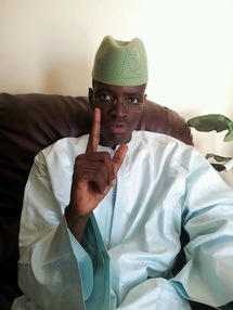 """Serigne Modou Mbacké: """"Wade a fait sacrifier 66 boeufs noirs et offert 500 millions aux marabouts pour obtenir un voter en sa faveur""""."""