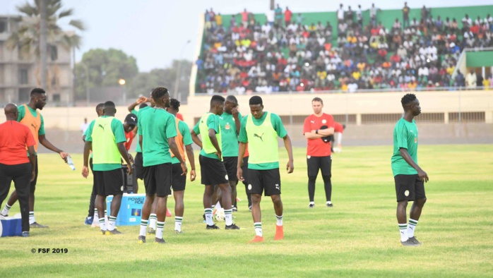 Sénégal - Congo Brazzaville / Onze type : Sidy Sarr et Habib Diallo titulaires, Wagué à droite, Mendy dans les buts...