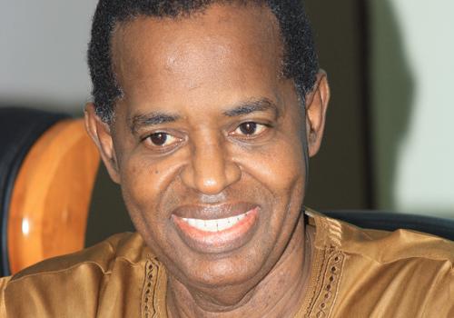 Après la visite nocturne de Thierno Lô et Mamour Cissé, Sidy Lamine Niasse annule toutes activités hostiles à Wade.