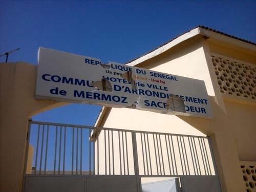 Dernière minute: Des individus ont pénétré dans la mairie de Barthélémy Dias et ont pris les deux ordinateurs du maire.
