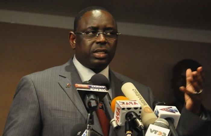 Après l'avoir refusé à Diouf et à Wade, pourquoi accepte-t-elle de travailler avec Macky Sall ?
