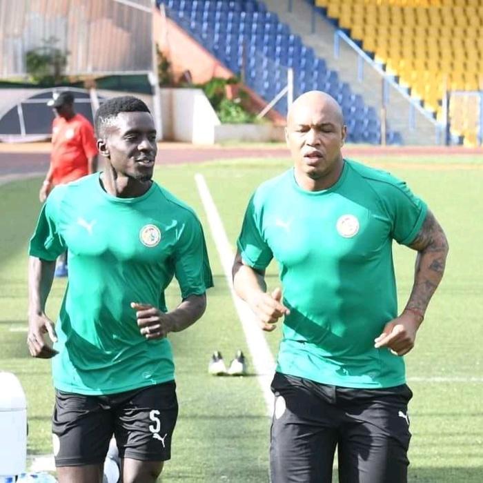 Éliminatoires CAN 2021 : Présent à l'entraînement des Lions à Eswatini, El Hadj  Diouf a-t-il intégré le staff technique ?