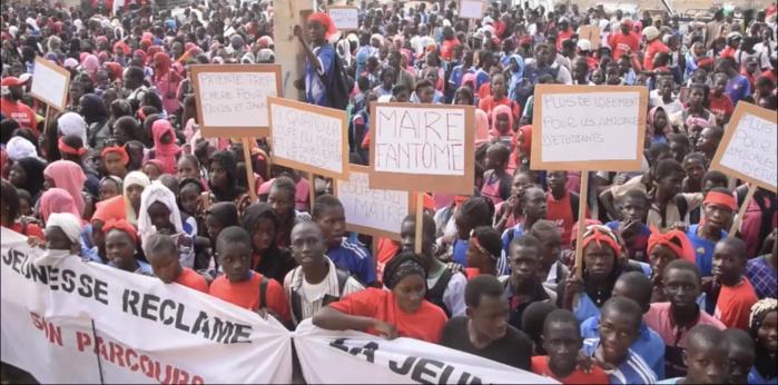 Richard Toll / Marche de protestation contre le blocage des travaux du parcours sportif : Le collectif pour la défense des intérêts du Walo déverse sa colère sur le maire Amadou Mame Diop