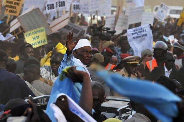"""La vraie histoire entre Abdoulaye Wade et le """"fou"""" de Diourbel"""