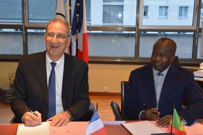 Jeux olympiques de la Jeunesse Dakar 2022 : Les comités nationaux olympiques sénégalais et français concluent un accord de partenariat.