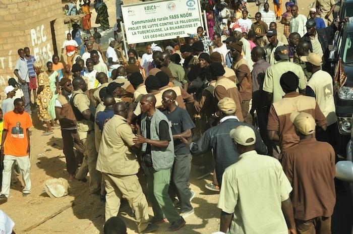 Les images de la bagarre entre la sécurité de Macky Sall et celle de Youssou Ndour