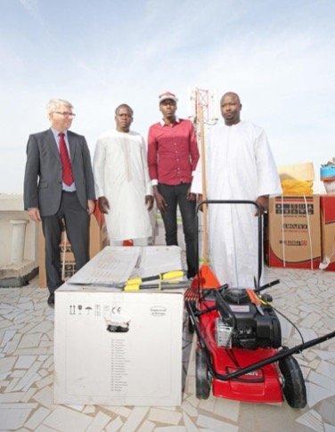 Entrepreneuriat : 120 jeunes reçoivent du matériel de jardinage et de cuisine d'une valeur de 20 millions de FCFA.