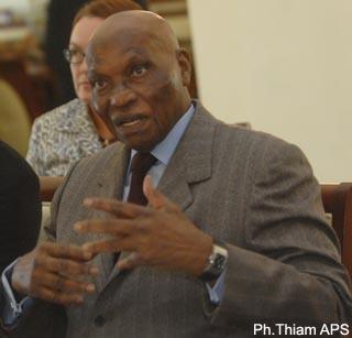 "Abdoulaye Wade aux responsables libéraux: ""lann nguen di def fii ? Guééne len, bouleen fi diokh ken khaalis""."