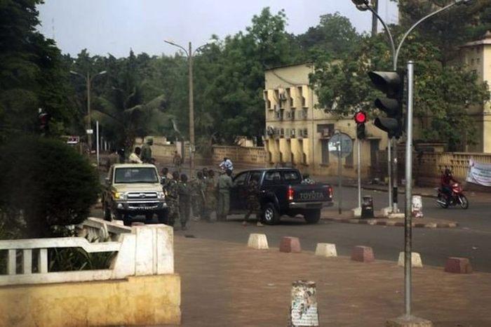 Coup d'Etat au Mali, un sérieux avertissement pour le Sénégal (Par Cheikh Yérim Seck)