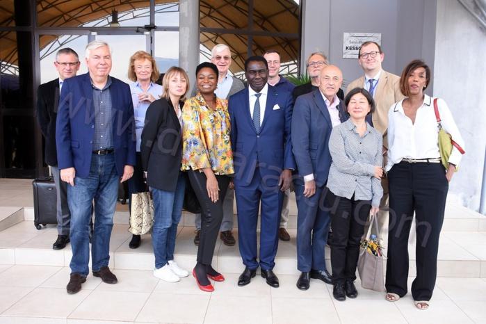 Les IMAGES de l'accueil du président du Cercle des économistes et de sa délégation par le ministre Cheikh Kanté