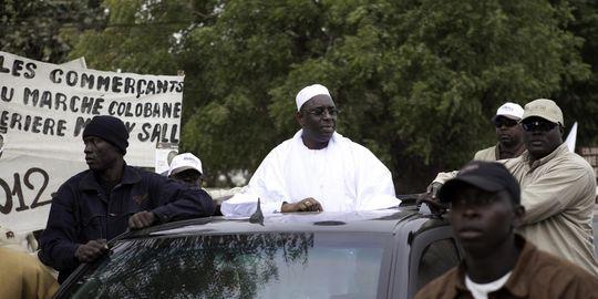 Différend entre chauffeurs de taxis et Taxis du Sénégal (Tds): Macky donne un délai, Wade prend rendez-vous pour mardi.
