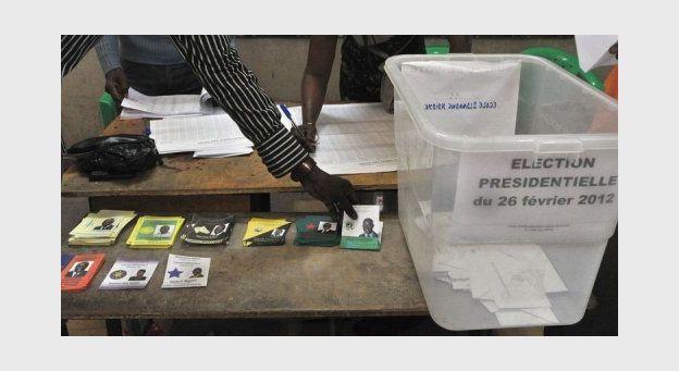 A 9h, forte affluence partout dans le pays dans les bureaux de vote