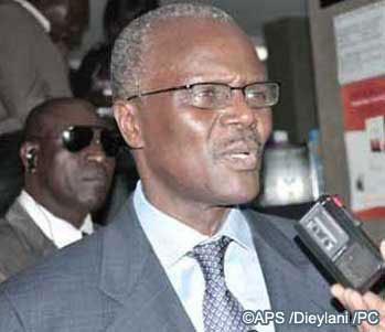 """""""Les socialistes exécutent ce que je leur demande"""" (Ousmane Tanor Dieng, après son vote)"""