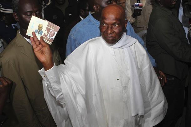 Dernière minute: Abdoulaye Wade vient d'appeler Macky Sall pour le féliciter.