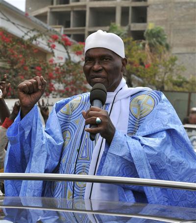 """Déclaration de Me Abdoulaye Wade après sa défaite: """"Je suis sénégalais, je vais rester ici""""."""