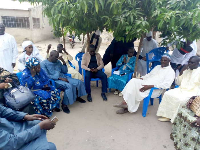 Sénégalais décédés dans le chavirement d'une pirogue au large de la Mauritanie : Karim Wade envoie des délégations chez les victimes.