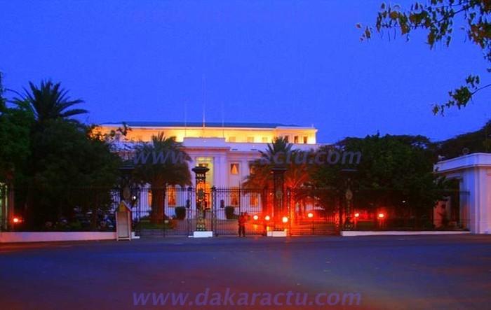 Retraite aux flambeaux: Macky Sall reçoit les honneurs de l'armée (TEXTE & PHOTOS)
