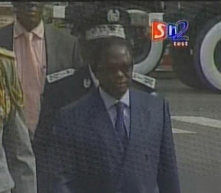 Arrivée des présidents de l'Assemblée nationale et du Sénat.