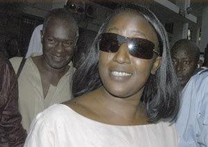 Aminata Lô passe à l'offensive et lance le <<Wade dégage>>.