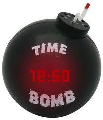 Une bombe explose derrière Wade: la quatrième licence de téléphonie vendue en pleine campagne