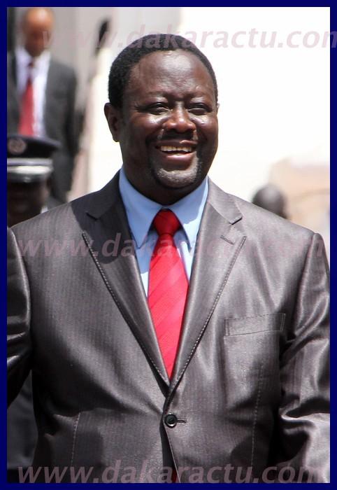 """Latif Coulibaly: """"Mbaye Ndiaye est trop politique pour diriger le ministère de l'Intérieur""""."""