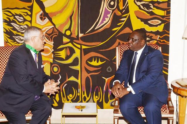 Macky Sall prend ses distances avec Robert Bourgi : l'avocat français perd le nord...