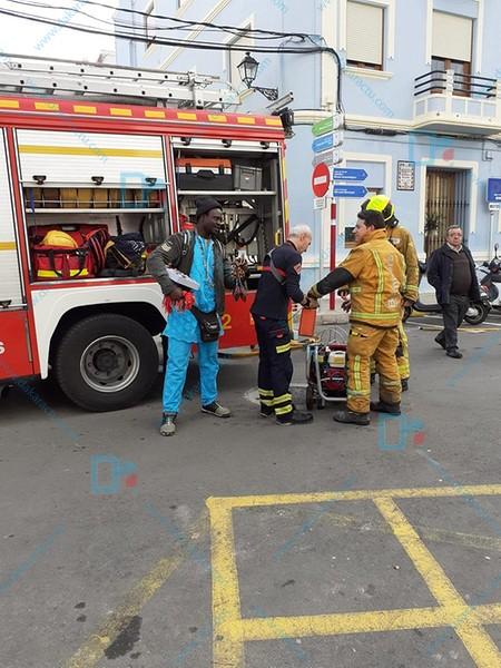 Sauveur d'un homme piégé au milieu des flammes dans son appartement : qui est Gorgui Lamine Sow, le « héros » de Dénia...