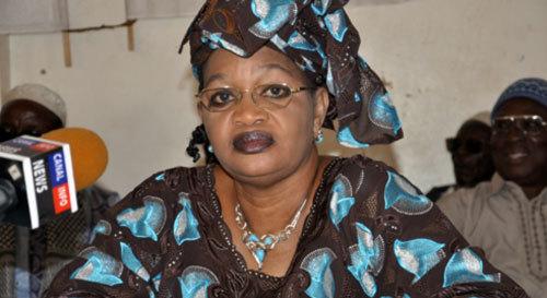 Aïda Mbodji adresse des éloges à Macky Sall.