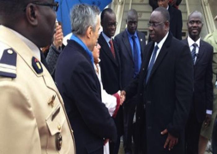 Que fait Macky Sall à Paris ?