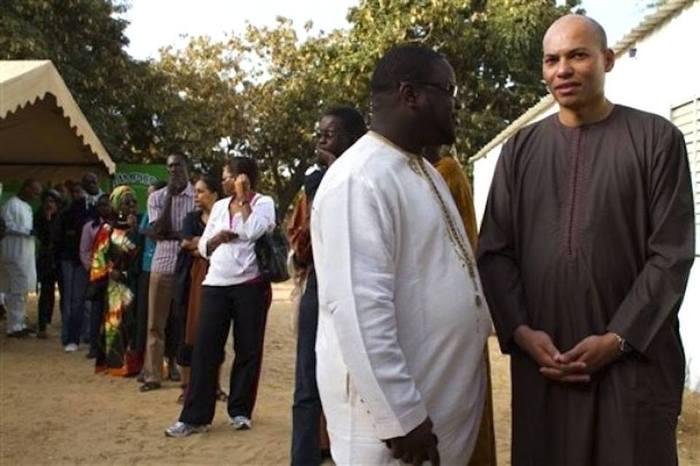 Un premier rapport sur la gestion de Karim Wade remis au président Macky Sall (Par Cheikh Yérim Seck)
