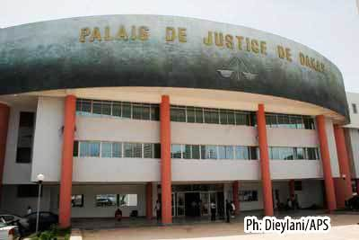Cambriolage au palais de justice: les gendarmes sautent.