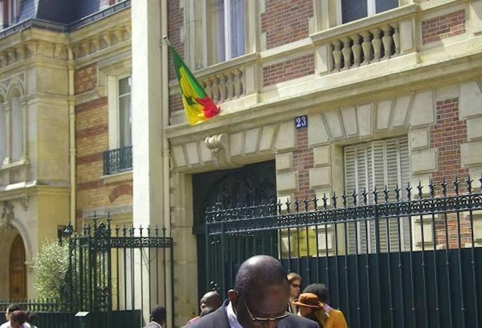 Le tour du propriétaire de Macky Sall à la Résidence du Sénégal à Paris