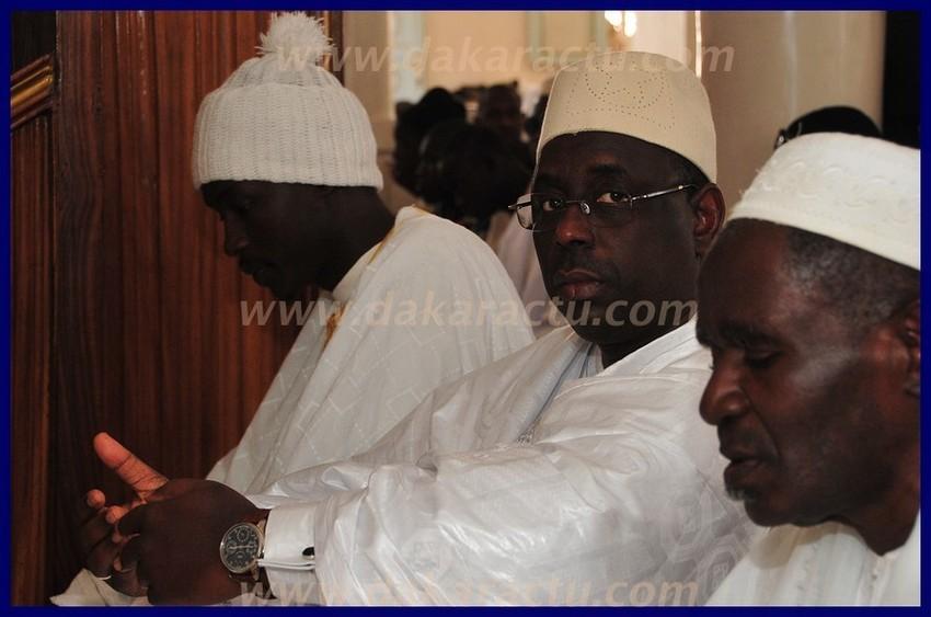 Regardez les photos de la visite du président de la République Macky Sall chez le khalife des layènes