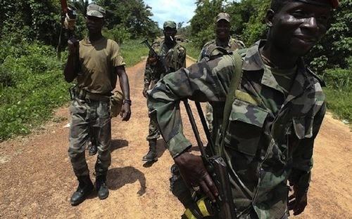 Peut-on être fournisseur des armes et médiateur du conflit? Les raisons qui disqualifient Jammeh dans la crise casamançaise.