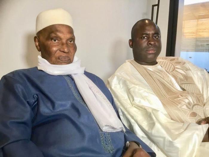 Visite : Serigne Djily Fatah Mbacké reçu par Me Abdoulaye Wade à son domicile.