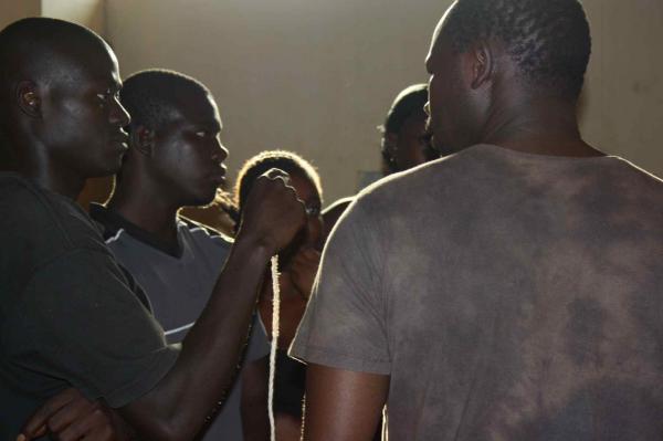 Thiès: un journaliste brutalisé par des thiantacounes