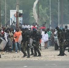 Dernière minute: les thiantacounes agressent les journalistes à Thiès.