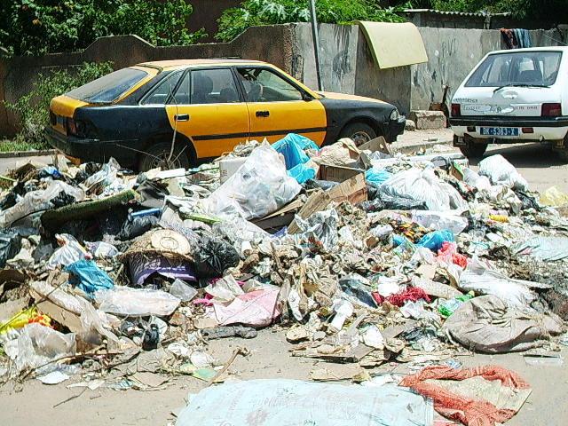 Dakar: la belle aux pieds sales