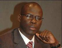 L'arrogance du conseiller de Cheikh Bamba Dièye devant des journalistes et un chauffeur de taxi.